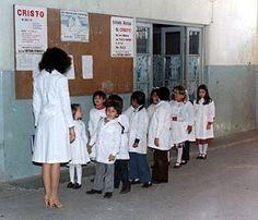 Formar fila en la primaria por altura jeje
