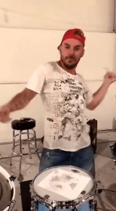 ❤❤❤ Extra-wiggly, silly, sexy, Shannon gif