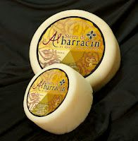 Hard Sheep Cheese from Albarracín (Spain) - Golden Label. Gold Medal of the World Cheese Awards 2010 Sheep Cheese, Cheese Bread, Queso Cheese, Cooking Temperatures, Milk Protein, Melted Cheese, A Food, Spain, Dairy