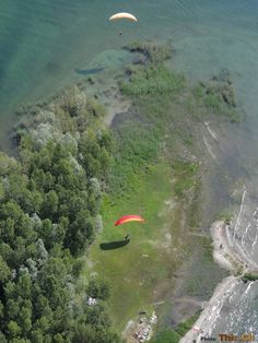 The landing at the Delta is so unique: it's the lowest point in Switzerland (194 MASL) and it's like to land on a small island! Fantastic!