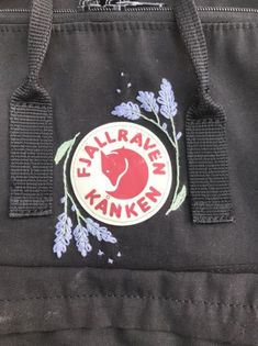 Fjallraven kanken embroidered embroidery lavender - School Look Embroidery Hoop Crafts, Embroidery Bags, Shirt Embroidery, Embroidery Fashion, Hand Embroidery Patterns, Embroidery Stitches, Couture Embroidery, Machine Embroidery, Dress Pattern Free