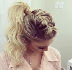 Hair updos messy pony tails ideas for 2019 Dance Hairstyles, Ponytail Hairstyles, Wedding Hairstyles, Cool Hairstyles, Updo Hairstyle, Bridesmaid Hair, Prom Hair, Pinterest Hair, Hair Color Balayage