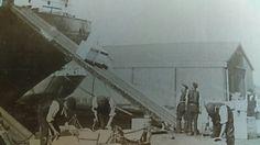 1904. Alexander dock . Hull