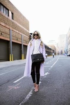 ASOS lilac coat, Stuart Weitzman heels, CHANEL bag Source by burcincim Stuart Weitzman, Asos, Cool Style, My Style, Oversized Coat, Top Celebrities, Fashion Blogger Style, Street Chic, Everyday Fashion