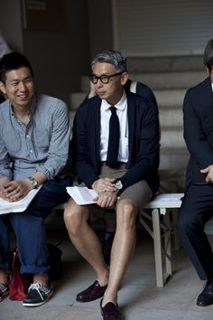 Architect frames, shorts on Takahiro Kinoshita, the impeccably stylish editor of Tokyo's Popeye Magazine / via The Sartorialist The Sartorialist, Popeye Magazine, Architect Fashion, Men's Street Style Photography, Preppy Style, My Style, Preppy Men, Dior, Gentleman Style