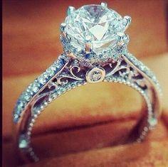 Cudowny pierścionek zaręczynowy, zapraszam po więcej inspiracji i dobrych rad: www.slubmisja.pl