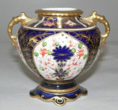 Antique Urn or Vase Royal Crown Derby Porcelain Imari Royal Crown Derby, Crown Royal, Urn, Bone China, Vases, Porcelain, English, Ceramics, Antiques