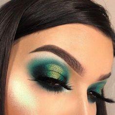 Saint Patrick eye makeup - new_make_up_pintennium Green Eyeshadow Look, Best Eyeshadow, Makeup For Green Eyes, Eyeshadow Makeup, Eyeshadows, Cream Eyeshadow, Cut Crease Eyeshadow, Green Smokey Eye, Eyeshadow Ideas