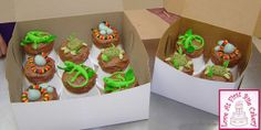 Reptile Cupcakes - The mother was having a reptile guy bring live reptiles to the birthday party for the boys to interact with, so she asked for cupcakes along the same theme.