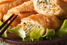 Recipe: Egg rolls with chicken. Appetizer Dishes, Dinner Dishes, Appetizer Recipes, Appetizers, Egg Roll Recipes, Great Recipes, Asian Recipes, Healthy Recipes, Ethnic Recipes