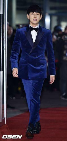 The 16 Worst-dressed Korean stars from the 2014 award season