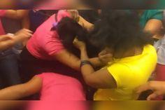 En El Metro de Santo Domingo: Mujeres se halan el pelo como que no hay mañana en una pelea…