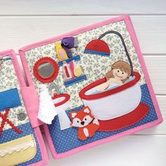 This Busy book is for girls 3+ years. Size is 22*22 cm, 4 plots (8 pages), more than 60 removable pieces to play variety of games. Also velcro, buttons, plastic mirror and wooden parts. The girl made of felt could have any color of hair or skin. You also choose a pet horse, dog, cat,