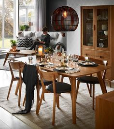 Find more information onhow to decorate dining table ideas light fixtures Check the webpage to get more information Dining Decor, Dining Room Table, Dining Chairs, Dinner Tables Furniture, Wood Table Rustic, Informal Dining Rooms, Apartment Interior, Kitchen Furniture, Modern Decor