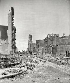 "Up Sutter: 1906 - ""Up Sutter Street from Grant Avenue."" Aftermath of the April earthquake and fire that reduced much of San Francisco to rubble. At center, the ruins of Sutter Street Synagogue. Old Pictures, Old Photos, Amazing Pictures, San Francisco Earthquake, Usa Cities, San Francisco California, California Usa, Interesting History, Historical Pictures"