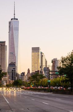 NEW YORK | One World Trade Center (1WTC) | 541m | 1776ft | 104 fl | Com - Page 2604 - SkyscraperCity