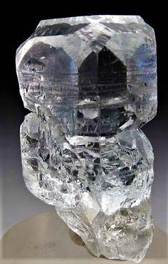 Crystals Minerals, Rocks And Minerals, Crystals And Gemstones, Stones And Crystals, Gem Stones, Amethyst Crystal, Crystal Healing, Rock Collection, Beautiful Rocks