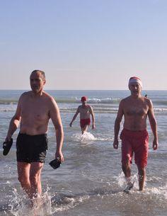#VeniceLido (01.01.2015) - the winter swimmers