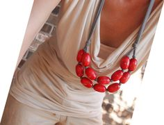 BEST SELLER red wooden bib necklace / relaxed / by simplylivly