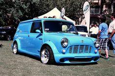 Mini Cooper Classic, Classic Mini, Vans Classic, Mini Clubman, Mini Coopers, Baby Animals Pictures, Mini Trucks, Car Colors, Hot Cars