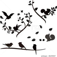 木の上の小鳥とリスのシルエットのイラスト素材 by ろじ