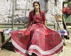 Gypsy Entities of Umbanda (Hier klicken): Gypsy Girl - Wohnwagen Gypsy Girls, Gypsy Women, Boho Hippie, Boho Gypsy, Romanian Gypsy, Gypsy People, Gypsy Culture, Gypsy Living, Vintage Gypsy