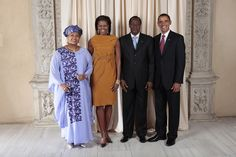 Burkina Faso's president, Blaise Compaoré (that's him above posing in between Michelle and Barack Obama at the UN a few years ago), is receiving some mixed PR right now. Thomas Sankara, Obama Photos, Michelle And Barack Obama, World Government, New York Museums, World Leaders, Presidents, United States, Poses