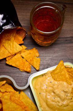 Sos serowy do nachos (przekąski na imprezę)