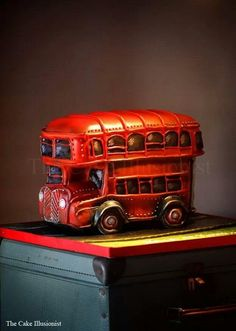 Vintage London Bus I love 3d Cakes, Fondant Cakes, Beautiful Cakes, Amazing Cakes, Bus Cake, British Cake, Gravity Defying Cake, London Cake, Retirement Cakes