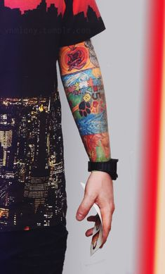 Image discovered by Chanel. Find images and videos about city, Tattoos and ed sheeran on We Heart It - the app to get lost in what you love. Ed Sheeran Tattoo, Ed Sheeran Lyrics, Edward Christopher Sheeran, Ed Sheeran Love, Cute Ginger, Sleeve Tattoos, We Heart It, My Love, Celebrities