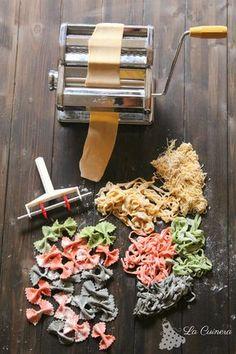 How to make pasta Make Your Own Pasta, How To Cook Pasta, Ravioli, Pasta Fresca Recipe, Pasta Casera, Lotsa Pasta, Pasta Machine, Fresh Pasta, Vegan Pasta