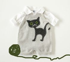 Knitted baby overalls in gray with felt cat. 100% by tenderblue