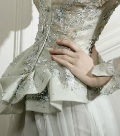 John Galliano for Christian Dior Haute Couture Spring / Summer 2010 Couture Details, Fashion Details, Look Fashion, High Fashion, Sweet Fashion, 40s Fashion, Fashion History, Dior Haute Couture, Christian Dior