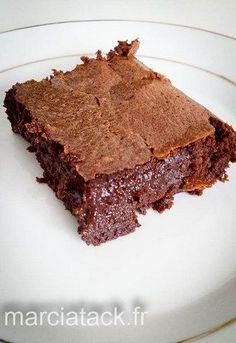 une part du meilleur gâteau au chocolat que j'ai pu manger