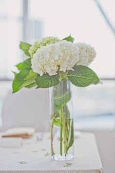 #hydrangea #centerpiece #wedding (Photo: Scarlet O'Neill Photography)