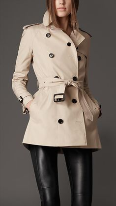 Burberry short cotton rain coat. yet another thing i must have before my life is over.