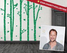"""Markus Knüfken ist auch ein Teil der Star-Charity-Kollektion und entwarf das Wandtattoo """"Birkenwald"""""""