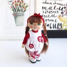 А девочку то в полный рост я показать забыла! Исправляюсь. ❤️Продана❤️ #куклысахаровойнатальи #интерьернаякукла #текстильнаякукла
