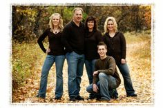 Outdoor Family Portrait Ideas | Hope to see you in front of our camera ...