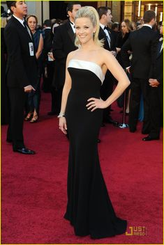 Reese Witherspoon #oscars2011
