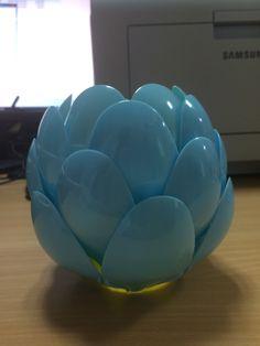 6/A sınıfından Efe Çiçek tarafından hazırlanmış bir proje - Plastik Kaşıklardan Süs Objesi