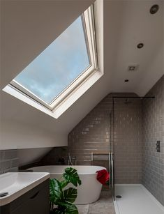 Small Attic Bathroom, Attic Master Bedroom, Attic Bedroom Designs, Upstairs Bathrooms, Bedroom Loft, Dormer Bedroom, Small Shower Room, Attic Rooms, Loft Conversion Victorian Terrace