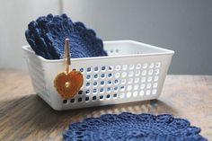 Kit de seis descanso de copo , confeccionado manualmente em crochê.  A cesta é apenas para ilustraão. R$ 50,00