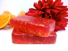 Refresh and awaken your senses with the citrus scent of Blood Orange, a bright red juicy orange that gives the fruit its name. Dried orange peels inside give this soap a wonderful exfoliating effect.