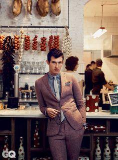 The Best Linen Suits for Summer, Starring Callum Turner Photos Callum Turner, Pleasing People, Gq Fashion, Ginger Beard, Linen Suit, Gq Magazine, British Actors, British Boys, Celebrity Weddings