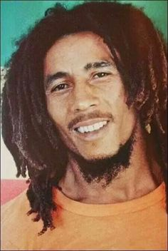 Bob Marley - wow, one of the best portraits of seen of this beautiful human being. by eve Bob Marley Kunst, Bob Marley Art, Reggae Bob Marley, Marley Fest, Damian Marley, Afro Dreads, Mens Dreads, Bob Marley Legend, Bob Marley Pictures
