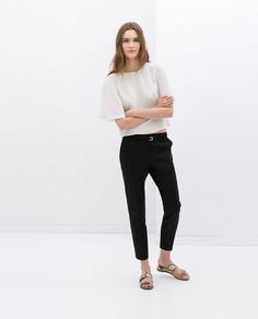 Discover the new ZARA collection online. The latest trends for Woman, Man, Kids and next season's ad campaigns. Zara Trousers, Trousers Women, Zara Tops, Summer Street, Zara United States, Work Wardrobe, Spring Summer Fashion, Latest Trends, Normcore