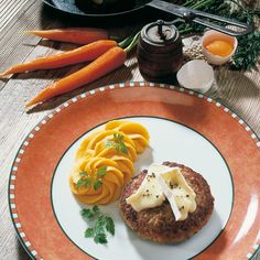 Tolles Rezept: Gefüllte Frikadellen mit Kartoffel-Möhrenpüree