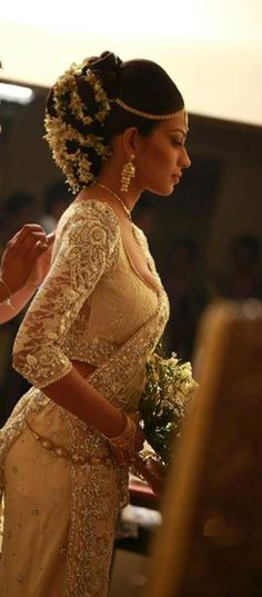 """ I'm loving this Indian Bridal look. Dressed by Dhananjaya Bandara. Check out more designs at: http://www.mehndiequalshenna.com/ """