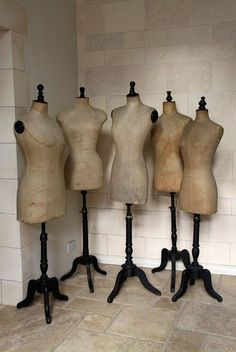 A collection of vintage dress forms. If you have a vintage shop you need many sizes of dress forms! Vintage Mannequin, Dress Form Mannequin, Stockman Mannequin, Manequin, Vintage Decor, Dressmaking, Vintage Sewing, Decoration, Vintage Dresses
